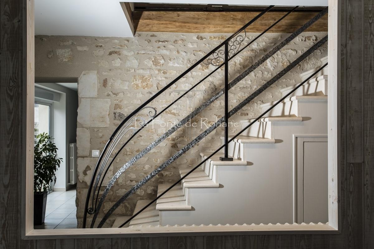 rampes d 39 escalier en fer forg la forge de rohane. Black Bedroom Furniture Sets. Home Design Ideas
